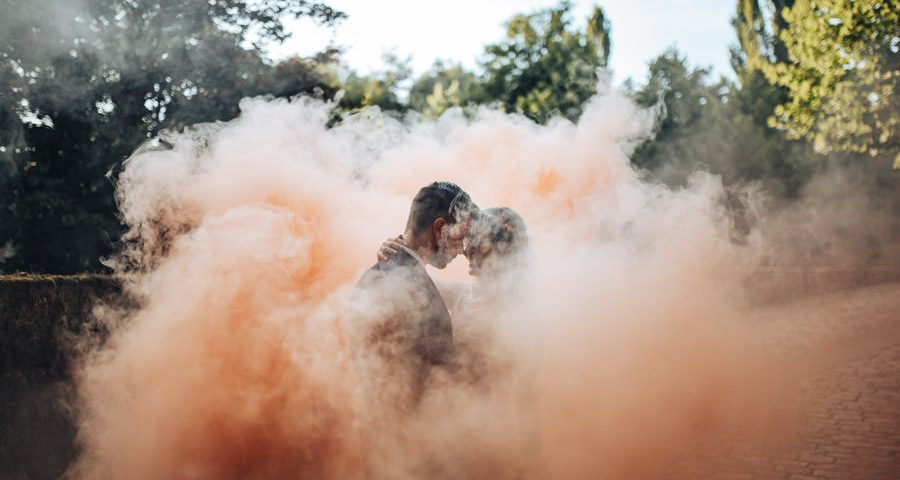 portugal destination wedding quinta da torre lanhelas minho portugal amotional photography smoke bomb outside dinner