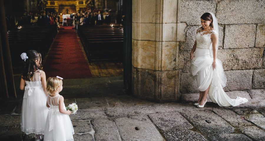 Wedding reportage menino conhece menina wedding photography this is now trinity bride flower girls groom church Amarante Sao Goncalo