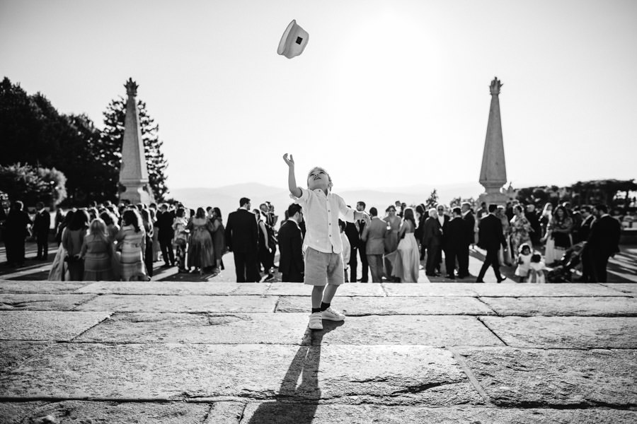 wedding photography Bom Jesus kid playing