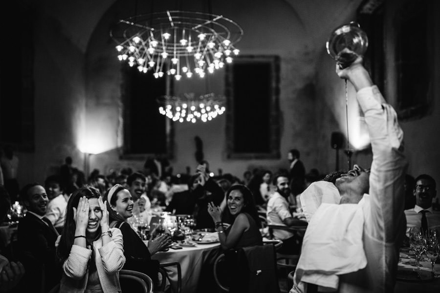 wedding photography guests and wine Pousada Santa Maria do Bouro