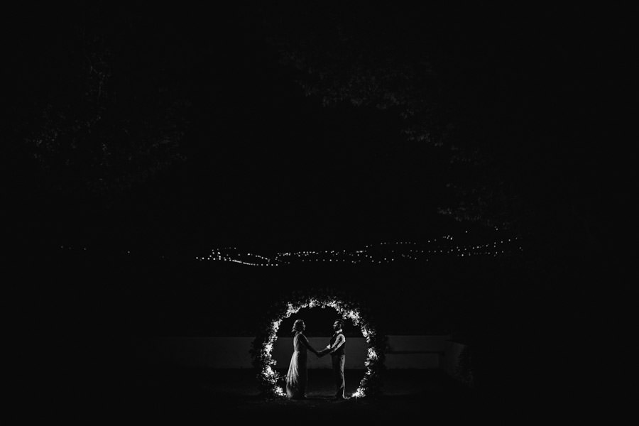 wedding photography Quinta da Pacheca couple in the lights