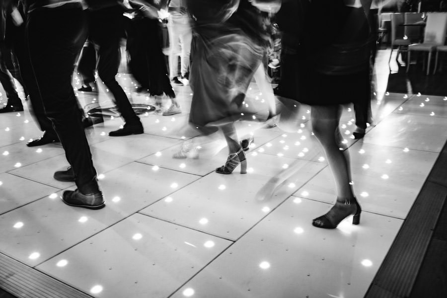 wedding photography dance floor panning