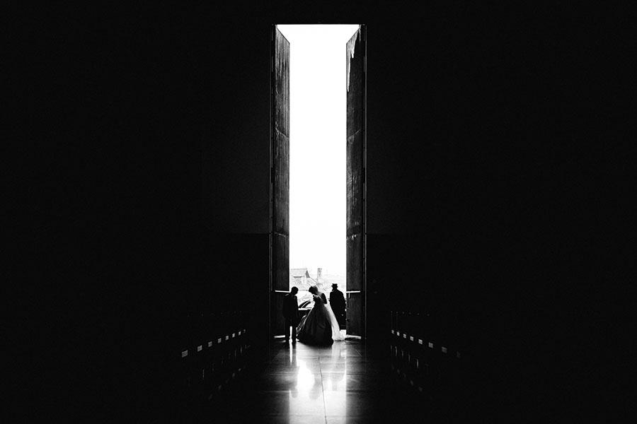 30-rising-star-Rangefinder-noiva-entrada-igreja-porta