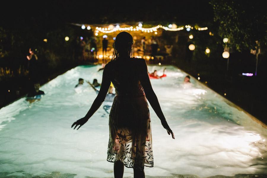 30-rising-star-Rangefinder-casamento-piscina-noiva-mergulho